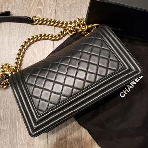 CHANEL Bags - Chanel Le Boy Medium